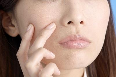 発疹やニキビの症状