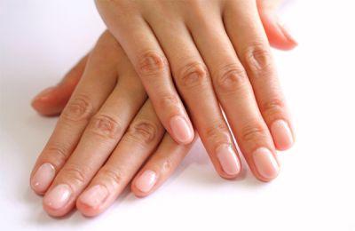 指の皮がむける原因とは?7つの...